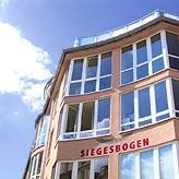 Exponierte Lage in Alt- Schwabing: der Siegesbogen
